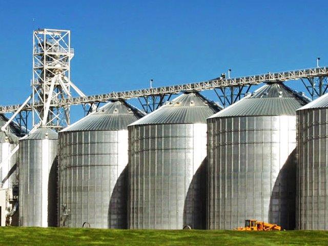 Arqueação de silos de armazenamento.